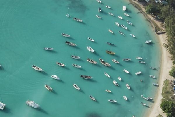 Южное побережье и Юго-Запад Маврикия из окна вертолета