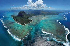 Подводный водопад острова Маврикий