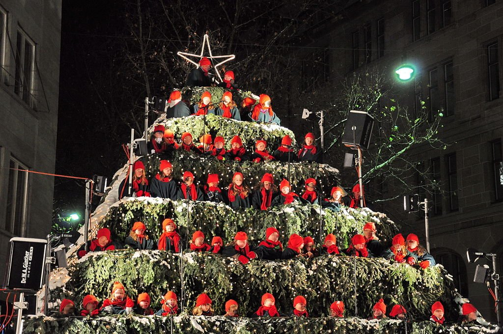 Поющая ель в Цюрихе