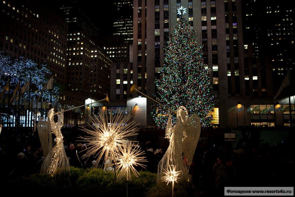 Новогодняя елка около здания Рокфеллер-центр