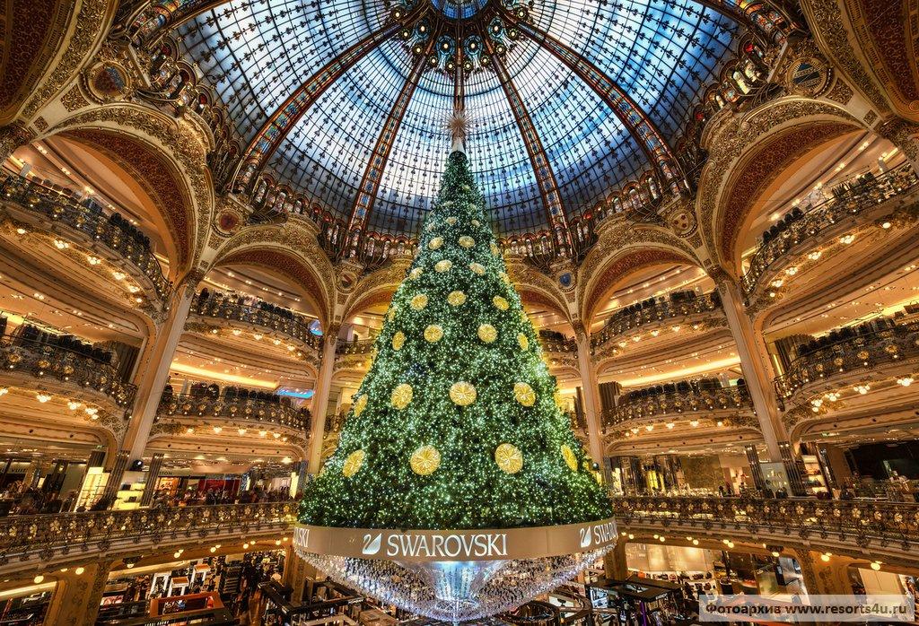 Новогодняя елка в Галерее Лафайет