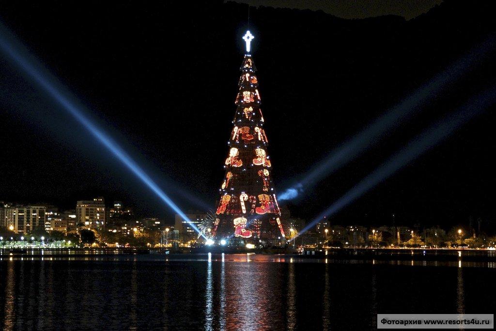 Рождественская елка Рио-дэ-Жанейро