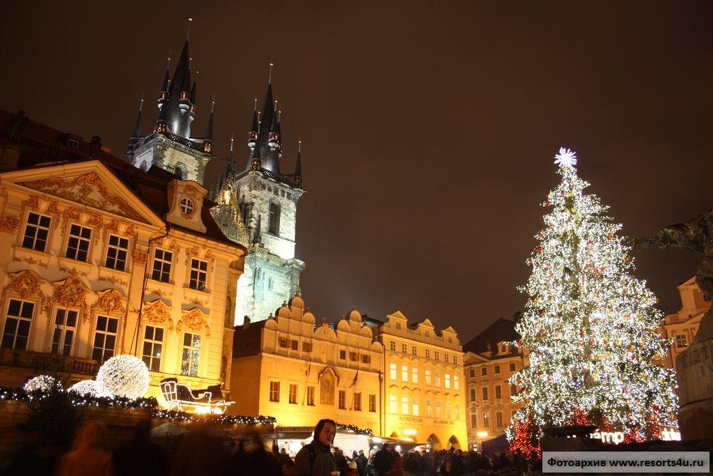 Елка на Староместской площади Праги