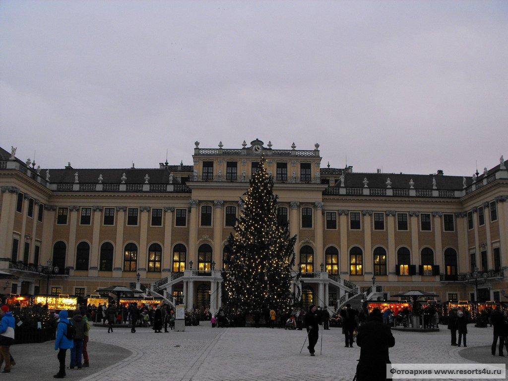 Рождественский и новогодний базары Вены в Шёнбрунне