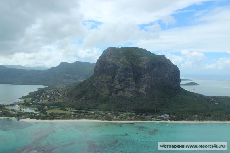 Маврикий: Южное побережье и Юго-Запад острова из окна вертолета